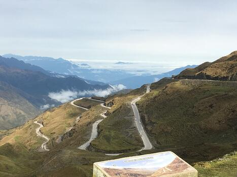 Views of the descent route from Abra Malaga towards the Amazon Rainforest-1