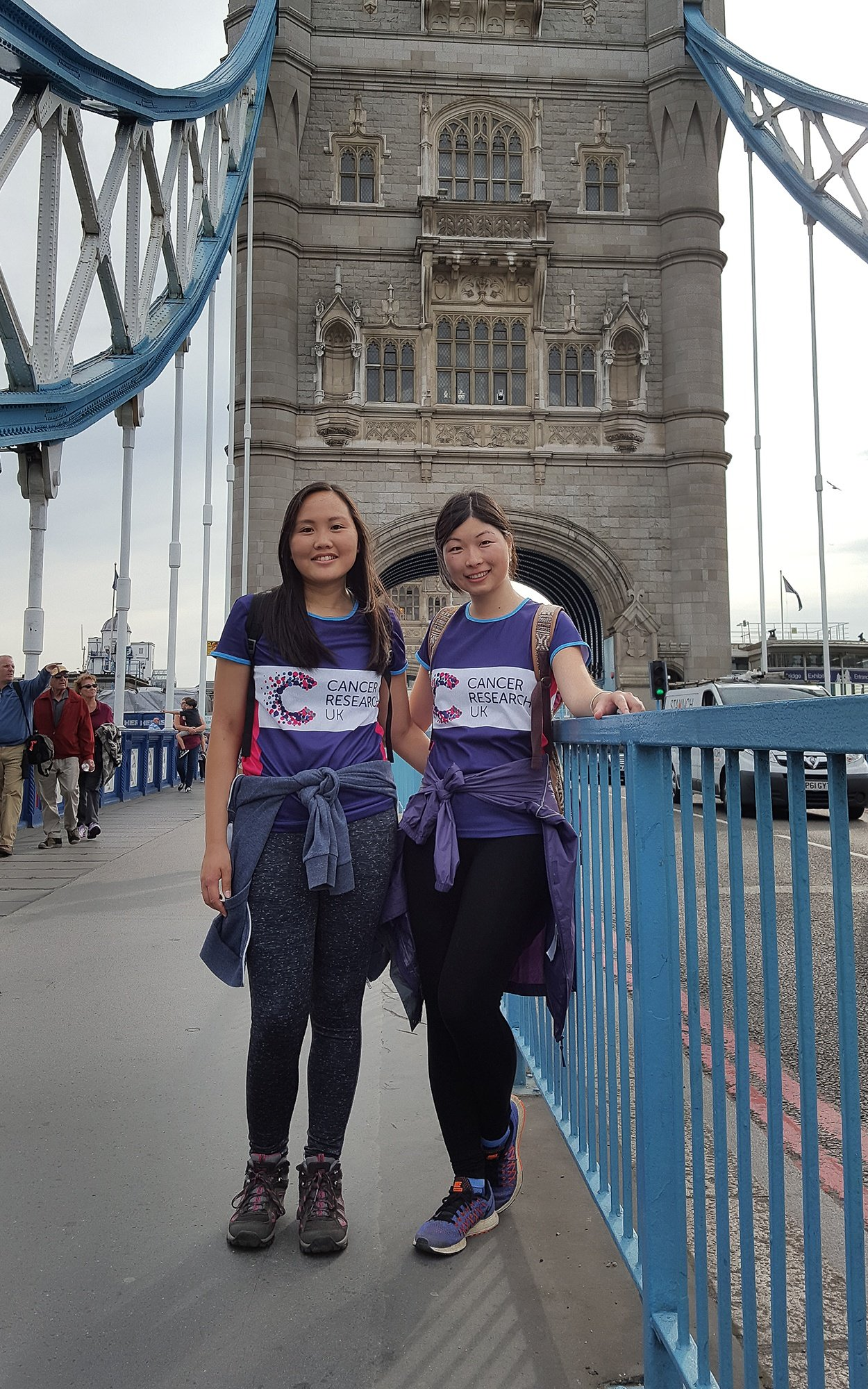 Cancer_Reaserch_UK_fundraisers_on_London_Bridge.jpg