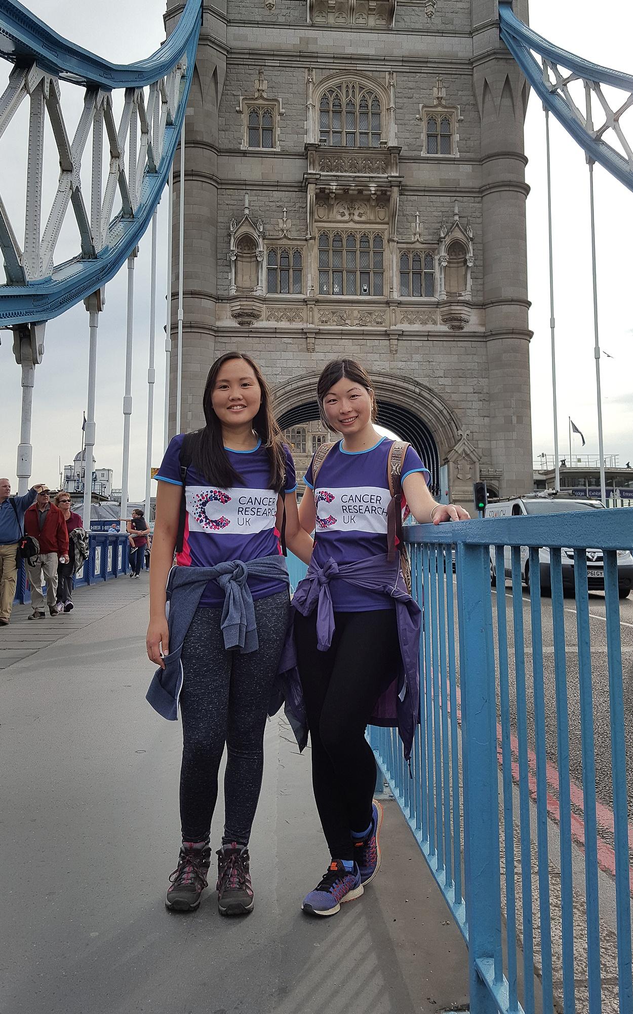 Cancer_Reaserch_UK_fundraisers_on_London_Bridge.jpg