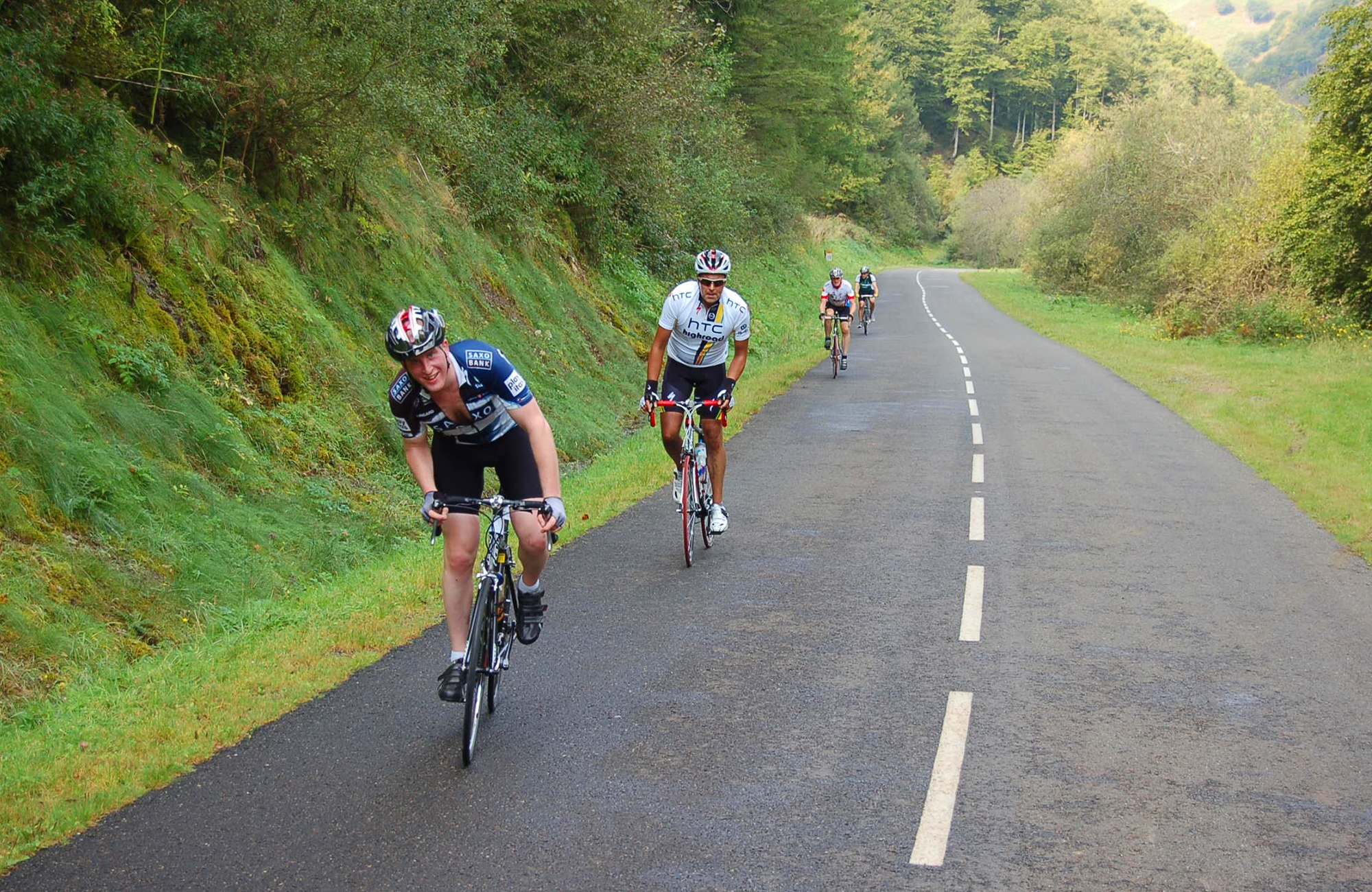 Cycling_uphill_Pyrenees.jpg